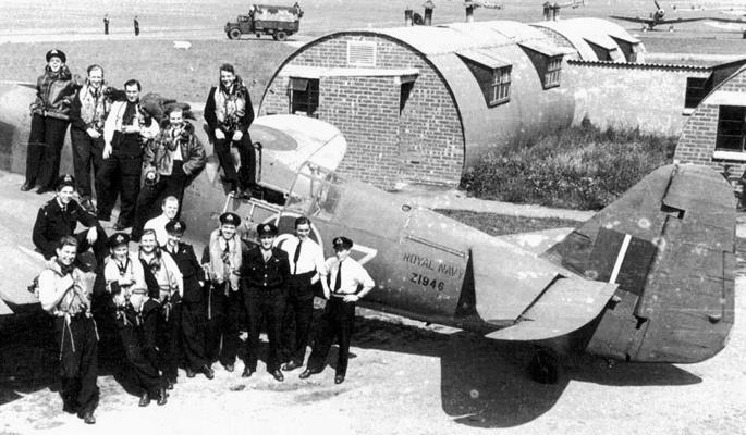 1772 squad 1944_400